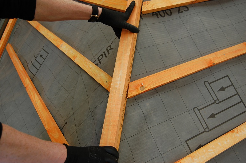 Redland: A Hip Solution for Dealing with Ridges