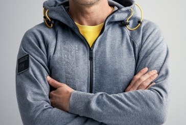 COMPETITION! Win a Snickers Zipped Hoodie!