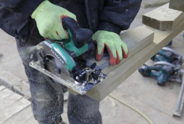 Roger Bisby Takes Hitachi's Cordless Circular Saw for a Spin