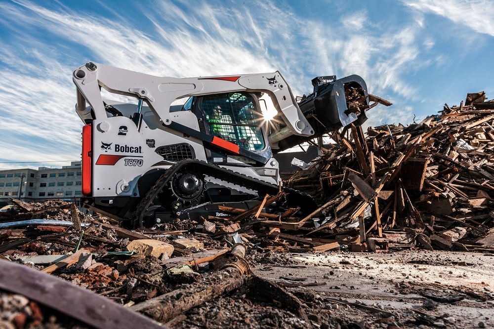 Take a Look at Bobcat's Compact Track Loader - Professional