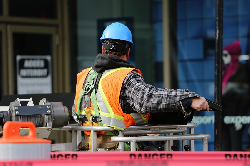 Four out of Five Construction Workers Use Personal Smartphone at Work