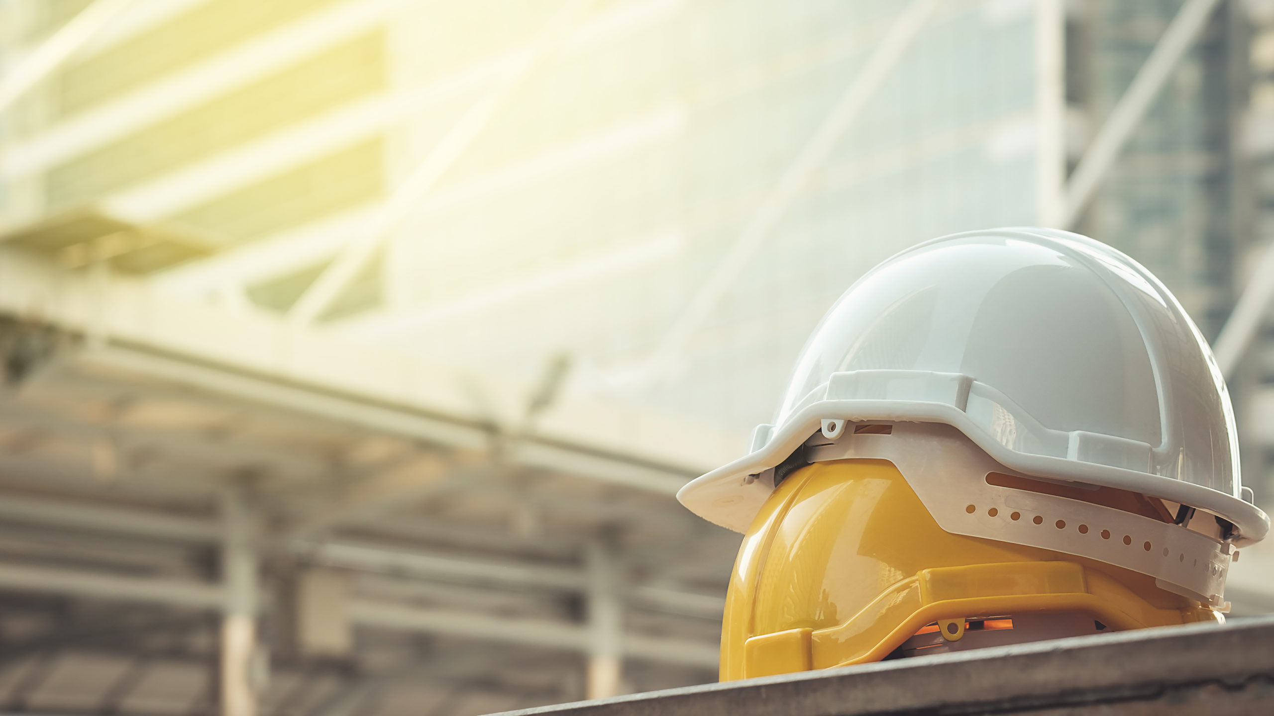 """Has your hard hat expired? Safety experts urge workers to """"check your head protection"""""""