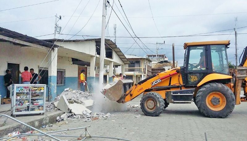 JCB Donates Machines to Quake-Hit Ecuador