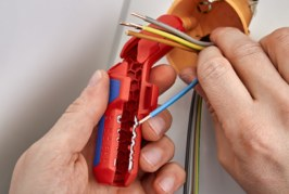 KNIPEX ErgoStrip: A favourite with electricians