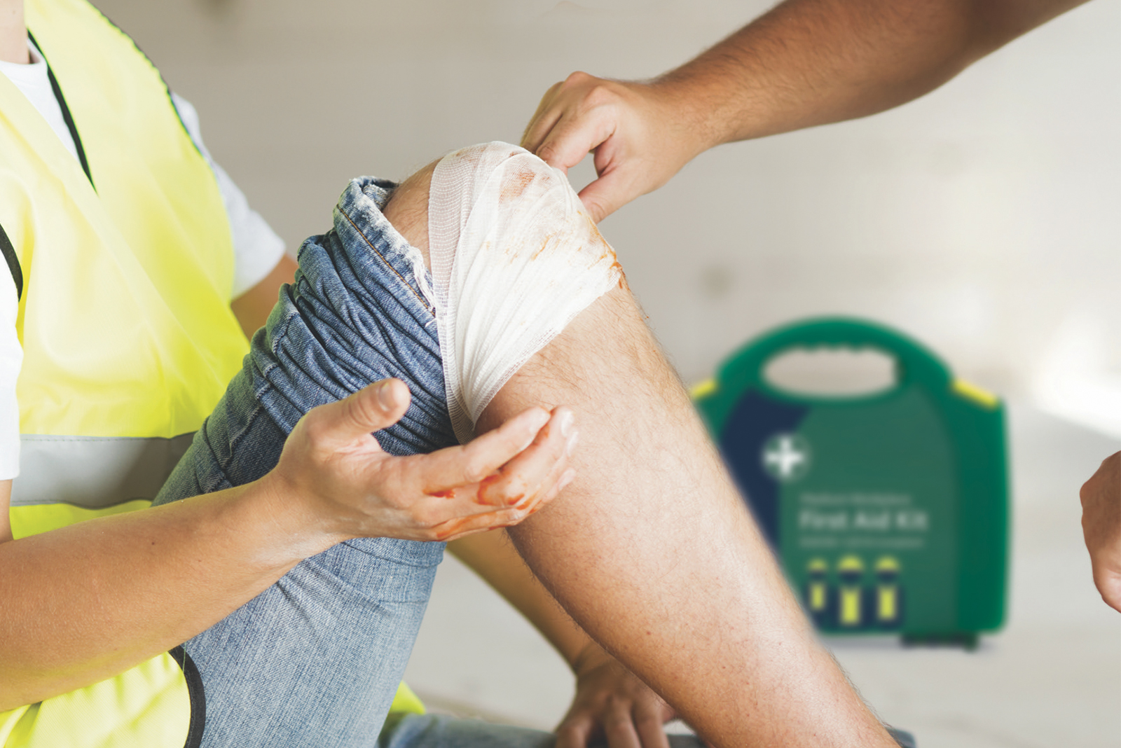 Arco produces NEW expert guide on First Aid in the workplace