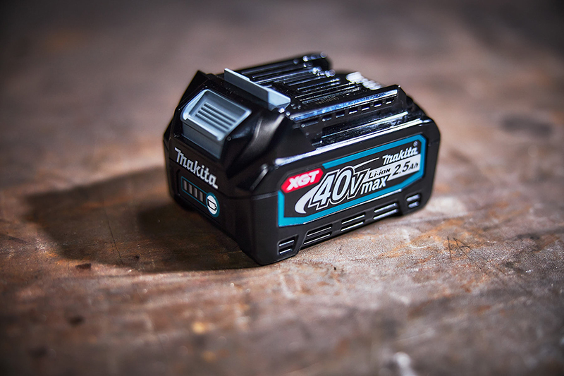 Free battery with Makita XGT purchase