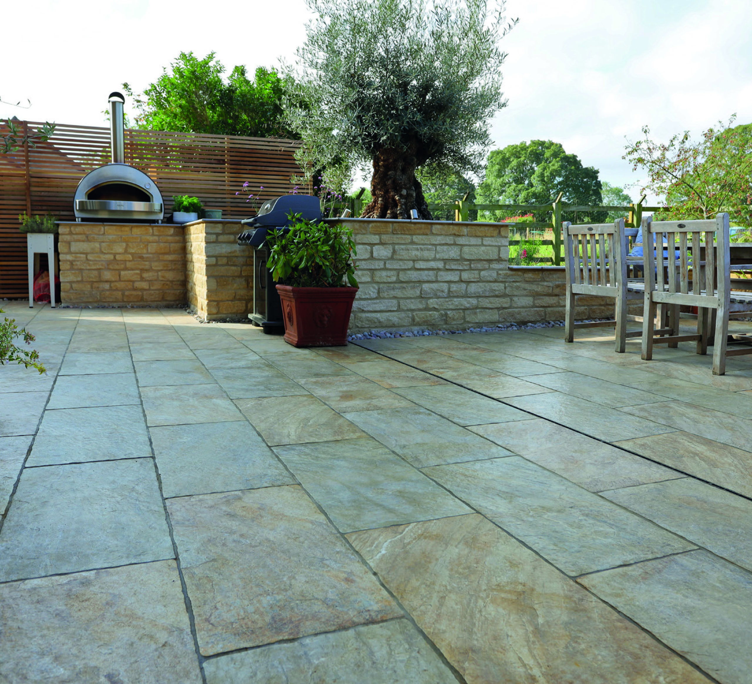 The popularity of porcelain paving in garden design and how to install it