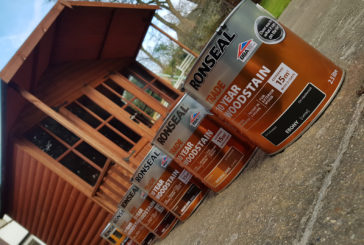 Tibby Singh tests out Ronseal Trade's 10 Year Woodstain